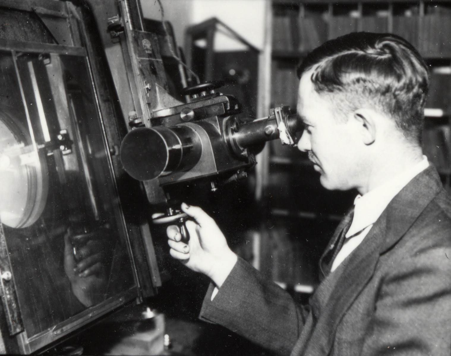 Clyde Tombaugh and the Blink Comparator Courtesy Lowell Observatory